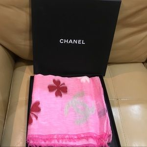 Chanel scarf 55% linen and 35% cotton